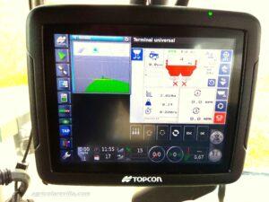 Controlada por un control DPAE ECU 2000 isobus, conectado a un GPS TOPCON X-25