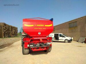 abonadora de dos platos de 7.000 kg marca AGUIRRE, modelo DP 7000, equipada con la rueda 550/60 – 16 PR Alliance Extra