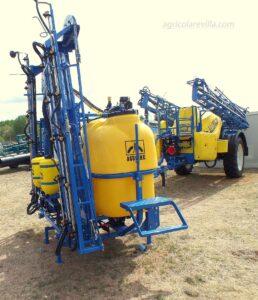 Pulverizador marca Aguirre similar a los equipos de herbicida fabricados por Gil, Kverneland, Berthoud, AMP, Sanz, Gama, Tecnoma, Herpa, Teyme, Gaysa, Atasa, Fitosa y Hardi